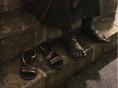 Camino de Santiago, figura pies de peregrino