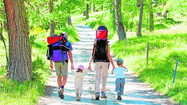 camino-de-santiago-en-familia-transporte-mochilas-camino-francés-camino-de-santiago-peregrinos